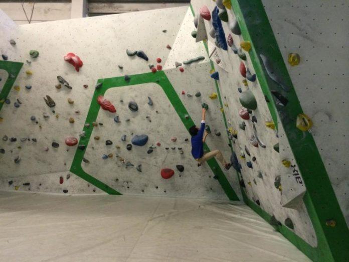 BouldernimOstbloc&#;dagehickdieWandhoch