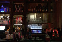 Tanzen, trinken, flirten in der Kitty Cheng Bar