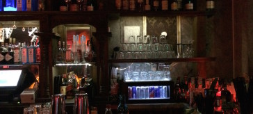 Tanzen, trinken, flirten in der Kitty Cheng Bar