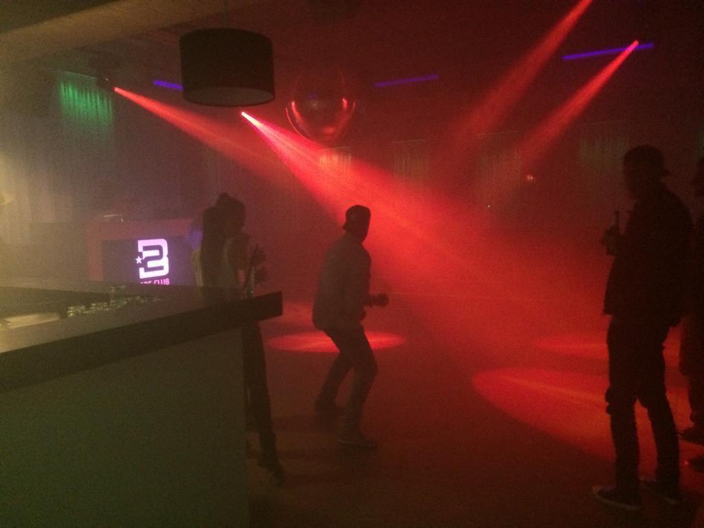 2BE Club2