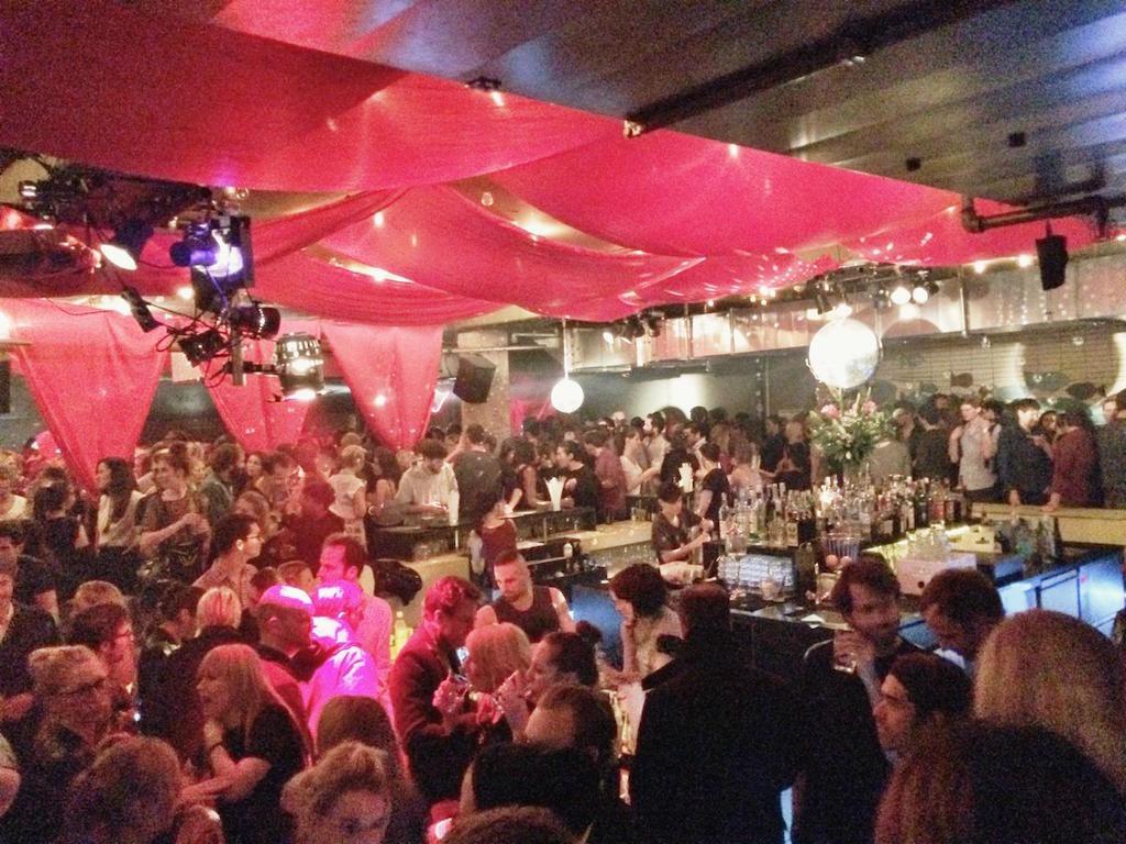 prince charles, berlin, club, voll, tanzen3