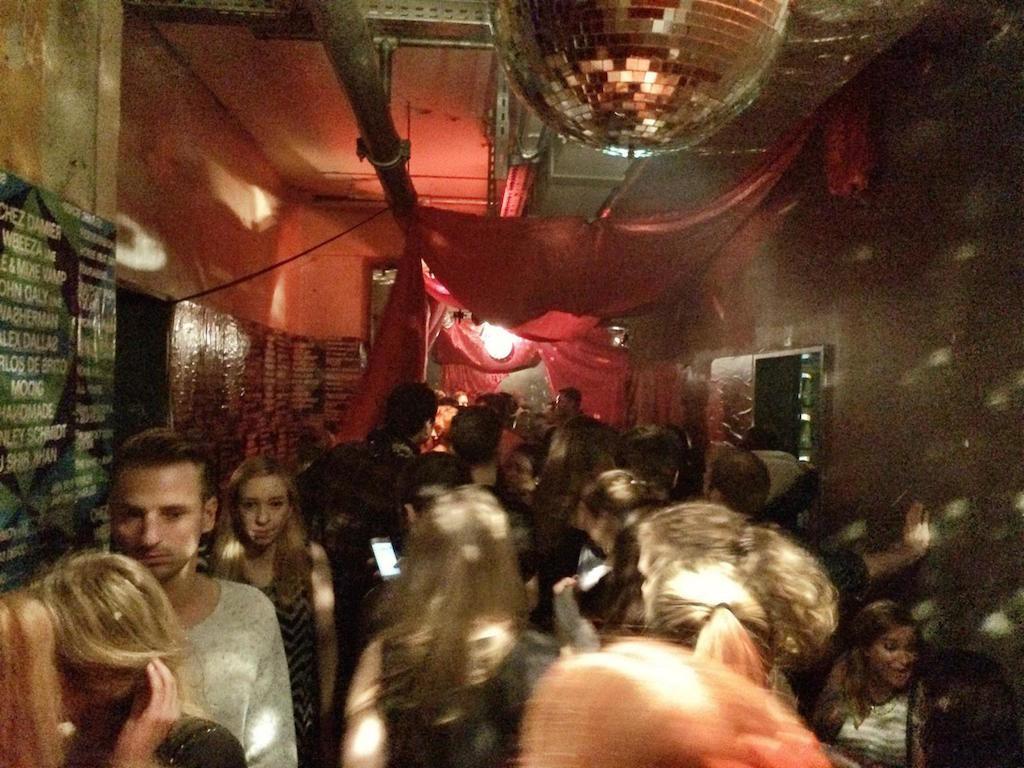 prince charles, berlin, club, voll, tanzen6