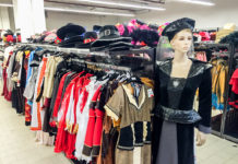 Kostüme kaufen im DEITERS am Alex