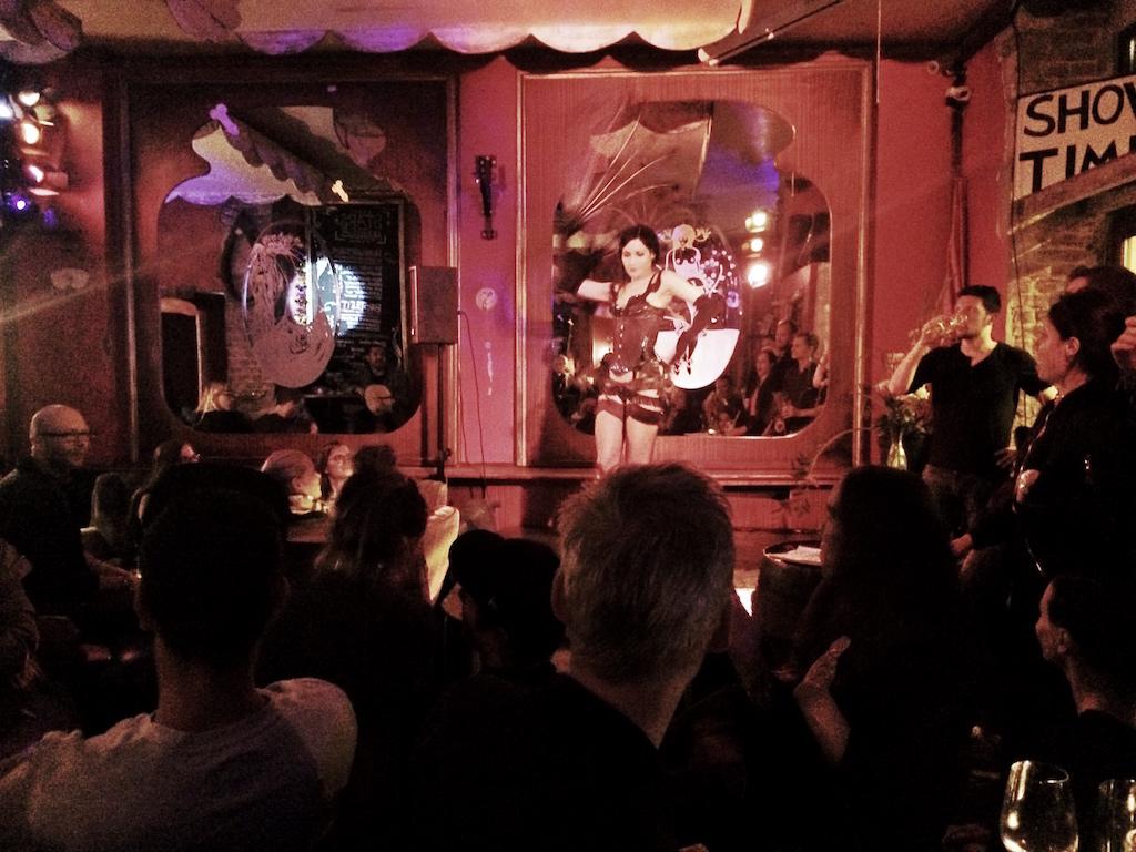Zum Starken August Cafe Events Craft Beer Bar Hauptstadt Divade