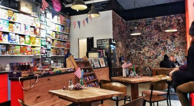 Flakes Corner - Riesige Auswahl im Cornflakes-Café Berlin